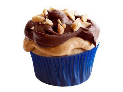 Magdalenas de maní con glaseado de turrón y chocolate