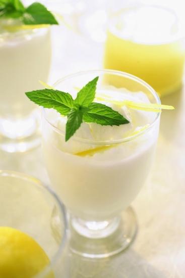 lemon sorbet with cava