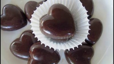 Bombones de Corazones de chocolate con miel